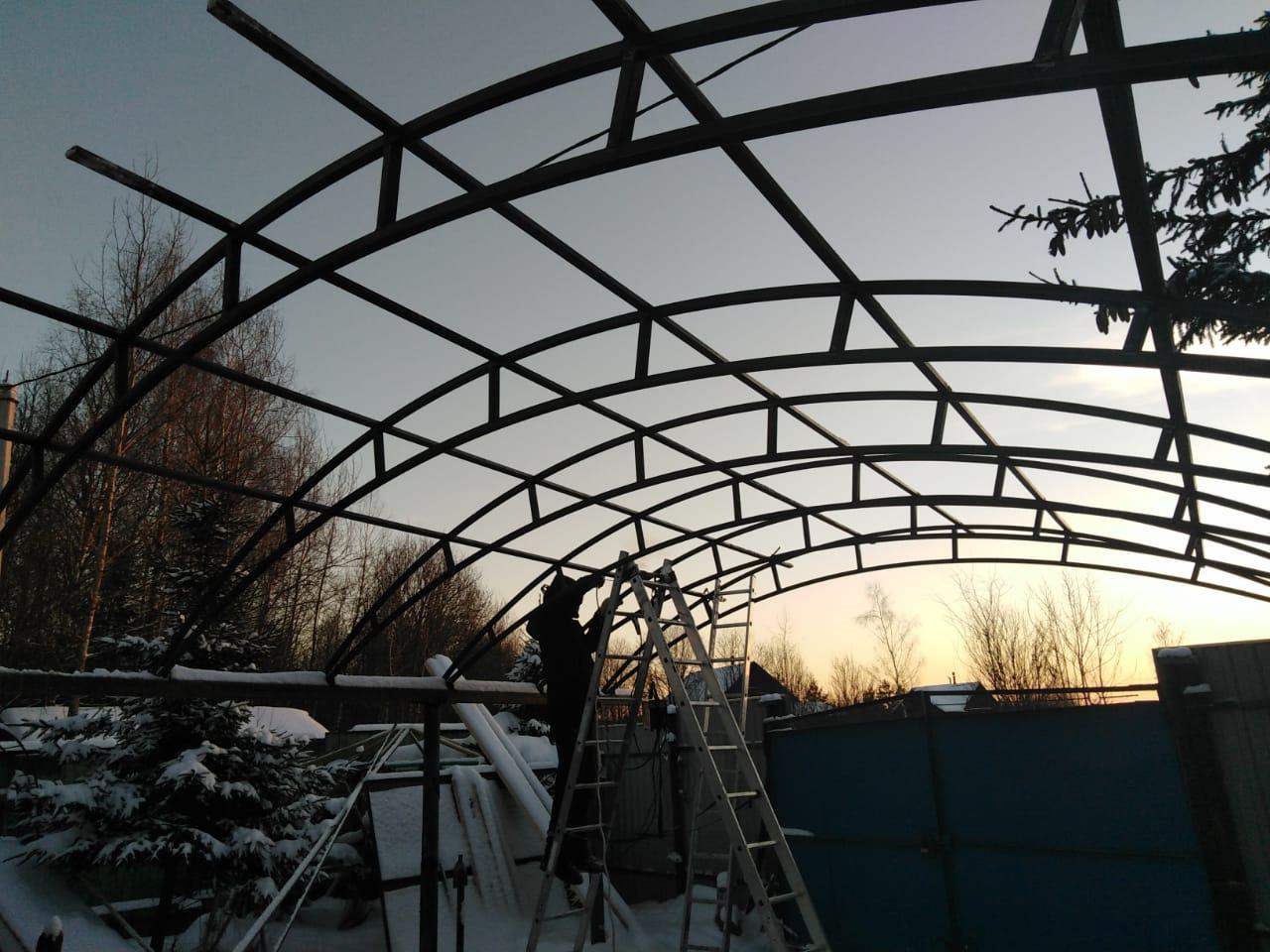 Зимнее строительство навеса
